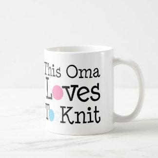 This Oma Loves To Knit Gift Coffee Mug