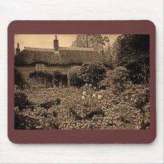 Thomas Hardys Cottage , Dorset, England, UK (2) Mouse Pad