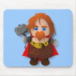 Thor de Chibi con el martillo Tapetes De Ratón