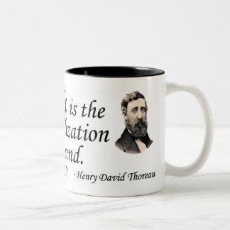 Thoreau en sonido y música taza de dos tonos