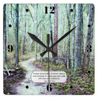 Thoreau: paseo con amor y reverencia reloj cuadrado