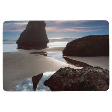 Thorn-Shaped seastack | Face Rock Wayside, OR Floor Mat