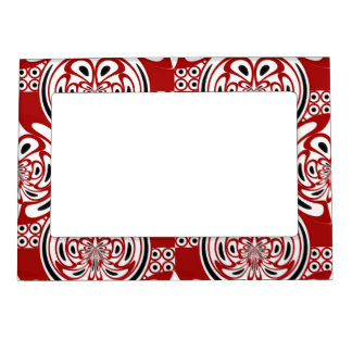 Three colors pattern magnetic frame