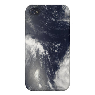 Three different typhoons iPhone 4/4S cover