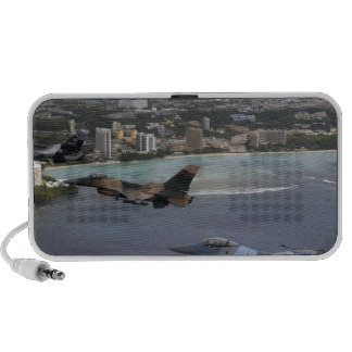 Three F-16 Fighting Falcons fly in formation iPod Speaker