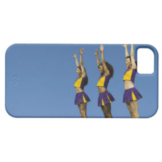 Three female cheerleaders standing in row iPhone SE/5/5s case