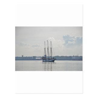 Three Masted Schooner Trinovante. Postcard