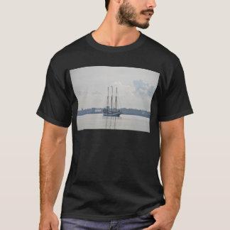 Three Masted Schooner Trinovante. T-Shirt