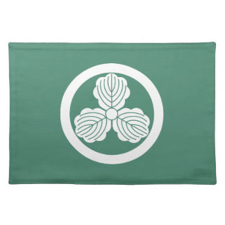 Three oak leaves(1) in circle cloth placemat