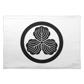 Three oak leaves in circle placemat