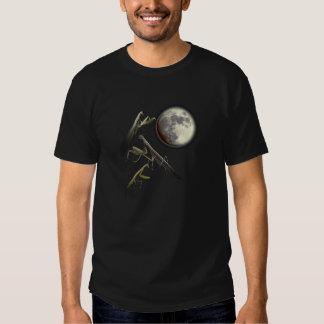 Three Praying Mantis And Moon T-shirts
