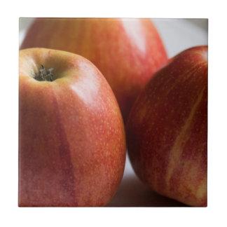 Three ripe apples tile