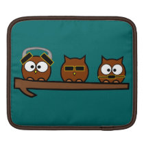 Three Wise Quirky Owls Sleeve For iPads