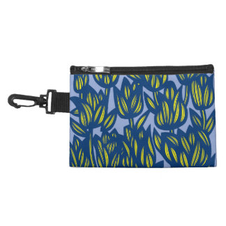 Thriving Yummy Action Transformative Accessory Bag