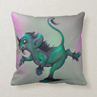 Throw Pillow Grunch Fantasy