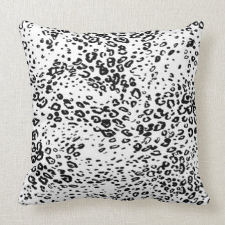 Throw Pillow/Leopard Throw Pillow