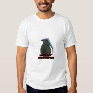 Throwing Grenade! - OpFor - MW2 T-Shirt
