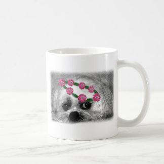 Thumbellina. es mi nombre que soy un maltés hermos taza de café