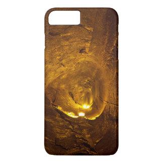Thurston Lava Tube Hawaii Volcanoes National Park iPhone 8 Plus/7 Plus Case