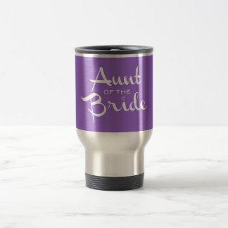 Tía del blanco de la novia en púrpura taza térmica