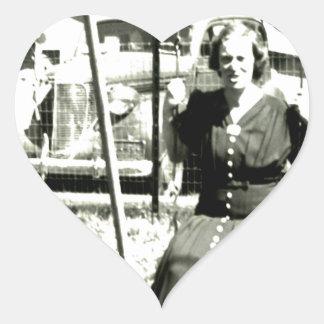 Tía On Swings Pegatina En Forma De Corazón
