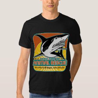 Tiburón animal del rescate polera