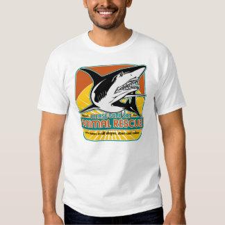 Tiburón animal del rescate poleras