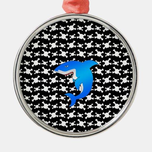 Tiburón azul con el modelo blanco y negro de los adorno redondo plateado