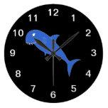 Tiburón azul en negro relojes