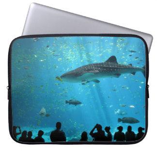 Tiburón de ballena masculino funda portátil