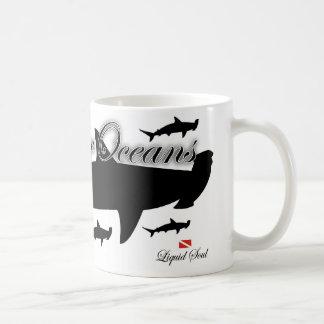 Tiburón de HammerHead - ahorre nuestros océanos Taza Clásica
