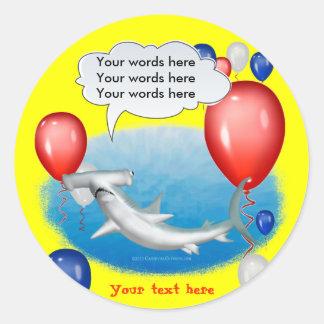 tiburón de hammerhead que habla pegatina redonda