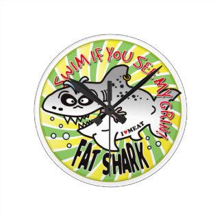 Tiburón de la grasa de la mueca de la nadada relojes