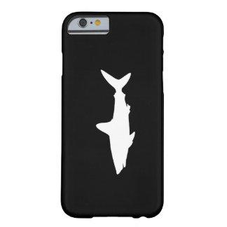 Tiburón de la natación funda de iPhone 6 barely there