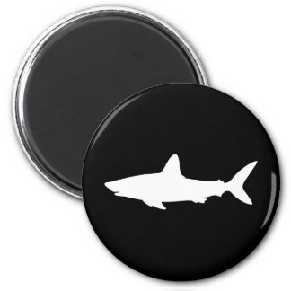 Tiburón de la natación imán redondo 5 cm
