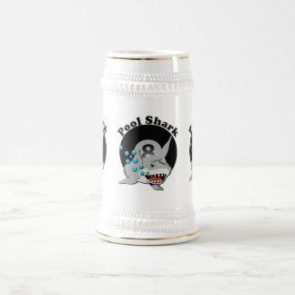 Tiburón de la piscina de ocho bolas jarra de cerveza