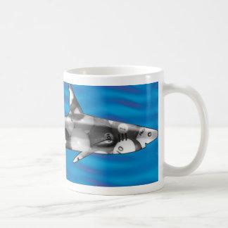 Tiburón de la piscina tazas