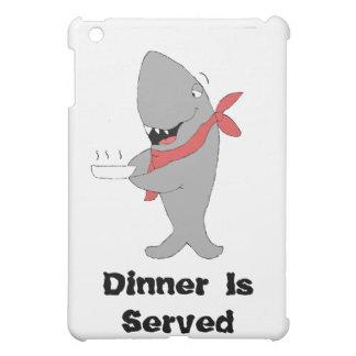 Tiburón del dibujo animado que lleva a cabo la cen