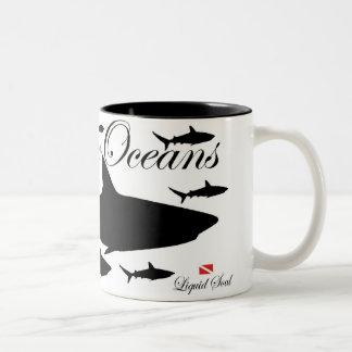 Tiburón del filón - ahorre nuestros océanos taza de dos tonos