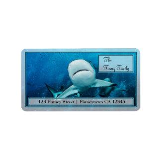 Tiburón del filón en la etiqueta de dirección de