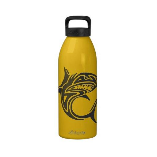 Tiburón del tatuaje botellas de agua reutilizables