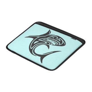 Tiburón del tatuaje fundas MacBook