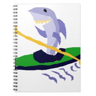 Tiburón divertido Kayaking Libreta Espiral