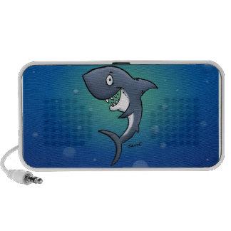 Tiburón divertido sonriente en fondo azul