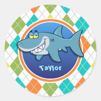 Tiburón en el modelo colorido de Argyle Pegatina Redonda