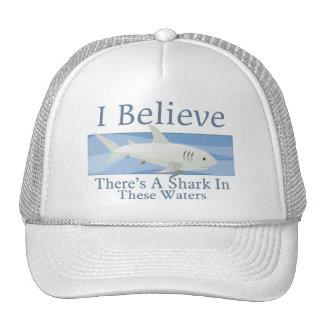 Tiburón en estas aguas gorra