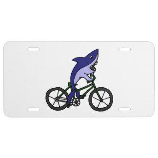 Tiburón en un dibujo animado de la bicicleta placa de matrícula