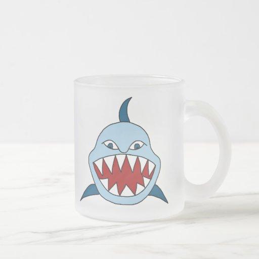 Tiburón enojado taza