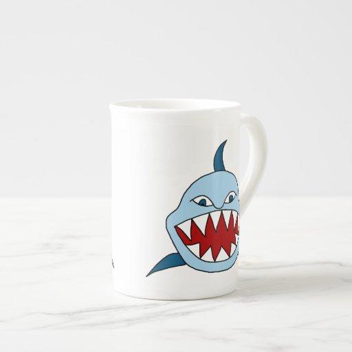 Tiburón enojado tazas de porcelana