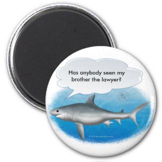 Tiburón que habla imán redondo 5 cm